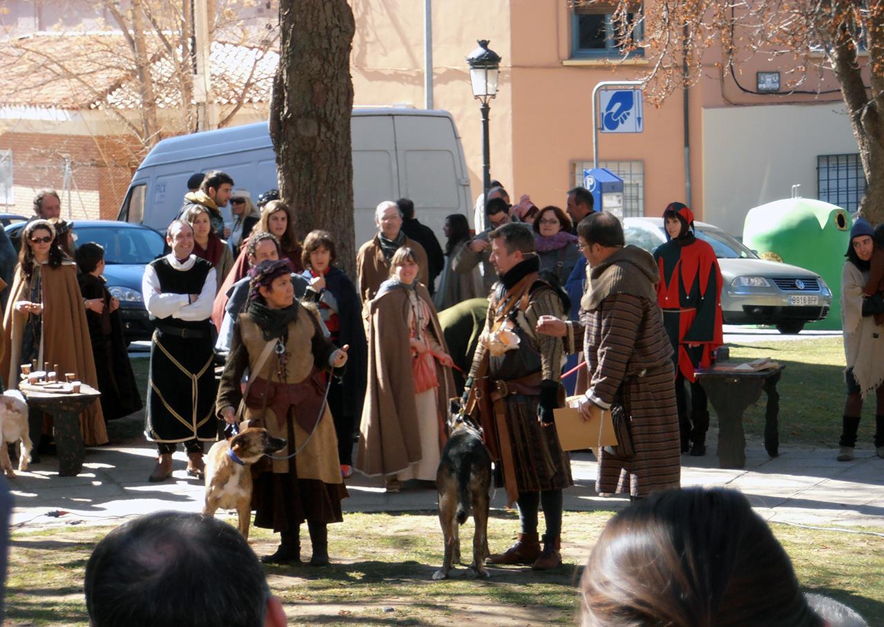 Demostración de trajes típicos medievales